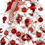 Red & White Coastal Christmas Tablescape Idea