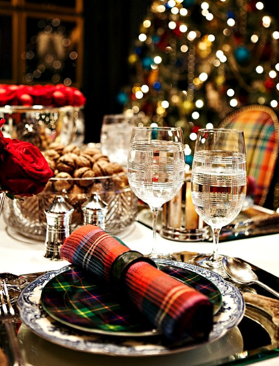Traditional Christmas Table Setting Using Tartan Plaid Design