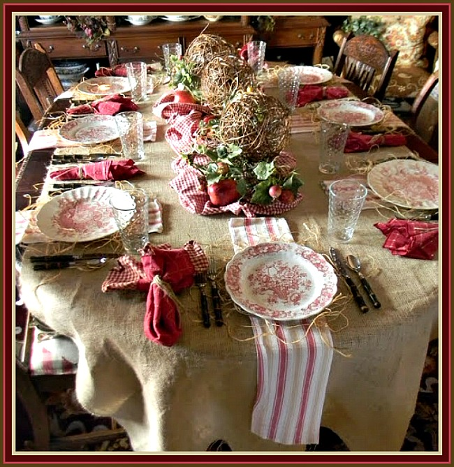 Country Style Rustic Christmas Tablescape